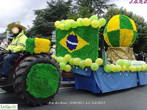 fete des fleurs 19 06 2011 LA GACILLY 005