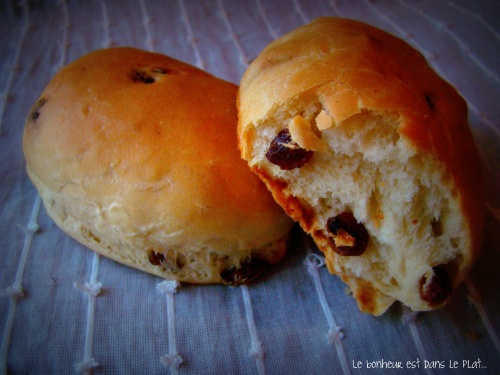 Petits pains au lait et raisins