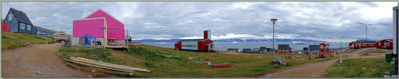 """La petite église luthérienne de Qaanaaq et son """"Petit Jésus et les enfants"""" à la mode Inuit - Groenland"""