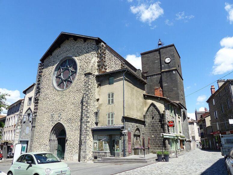 Saint-Flour - Eglise Notre-Dame - Halle aux Bleds - place de la Halle aux Bleds (7-2016) P1040699cr.jpg