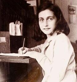 Comment les Nazis ont-ils trouvé Anne Frank ?