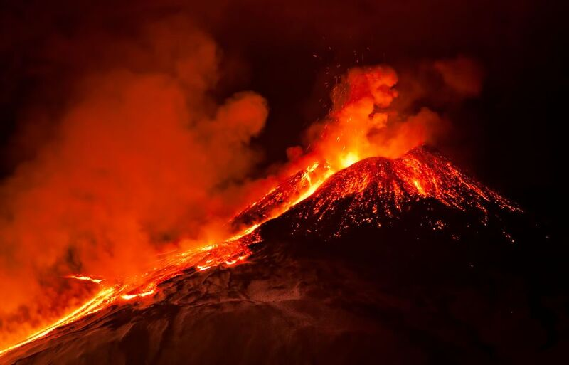 Sicile : pourquoi l'éruption de l'Etna intrigue les scientifiques ?