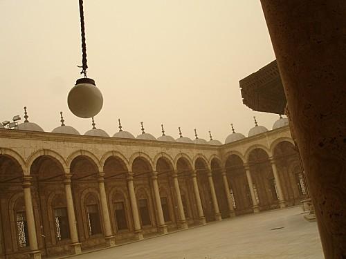 Mosquee-de-Mohamed-Ali-dans-la-tempete-de-sable---Le-Cair.jpg