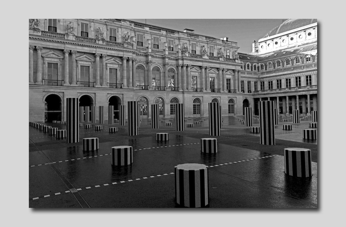Paris Les envahisseurs du Palais Royal