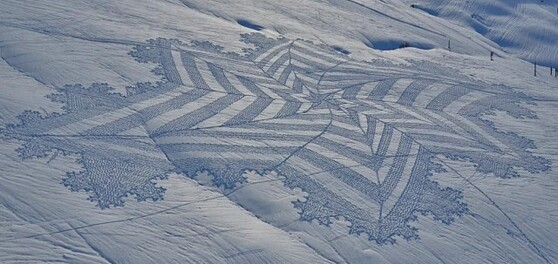 Snow Art Simon Beck 2 640x303 Simon Beck Crop Circle dans la neige