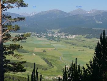 Vue sur le Capcir (et  le village de Formiguères)