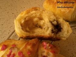 Croissant praline rose/ pain au chocolat