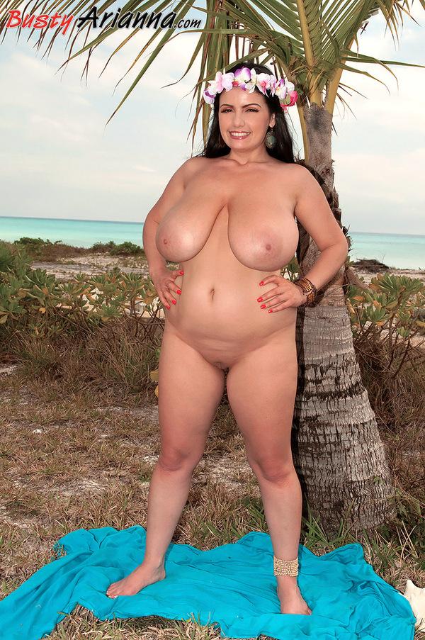 BigBoobs - Arianna Sinn - 5 -