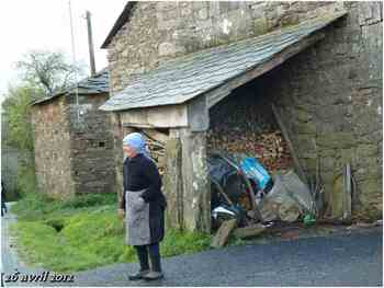 (J22) San Roman da Retorta / Melide 26 avril 2012  (1)