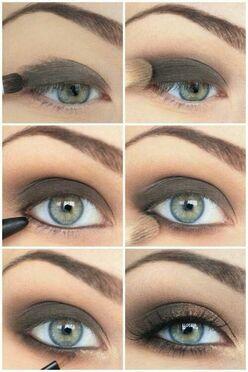 Maquillag yeux regard charbonneux: