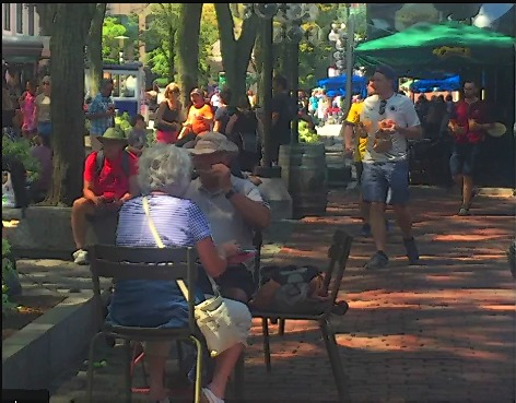 Dessin et peinture - video 2562 : Le déjeuner sur la place du marché - peinture à  l'aquarelle.
