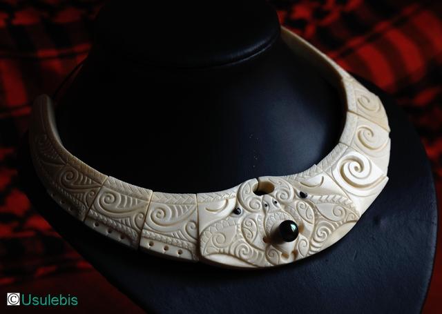Blog de usulebis : Usulebis ,Artisan créateur de bijoux polynésiens , contact : usulebis@hotmail.fr, parure personnalisée en os sertie d'une perle de Tahiti
