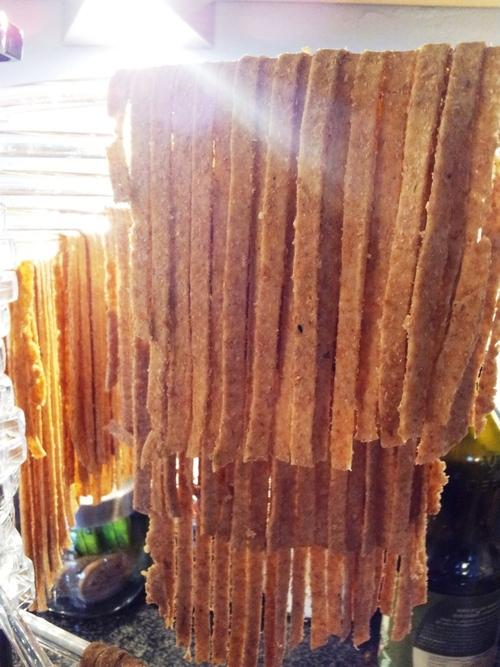 ° Pâtes intégrales maison & ses crevettes à la purée de tomate doucement relevée ou quand Chéwi est aux fourneaux <3
