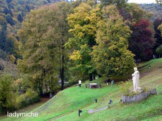 BOUILLON , en Belgique , ma ville natale .