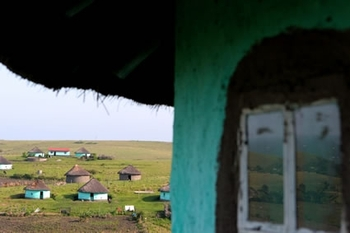 dwyer-xhosa-village-seen-from-witchdoctor-hut