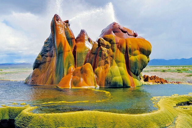 Fly Geyser, Arizona