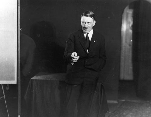 Hitler, narcisse et son miroir