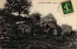 LES REMPARTS DE LA ROCHE MABILE (Orne)