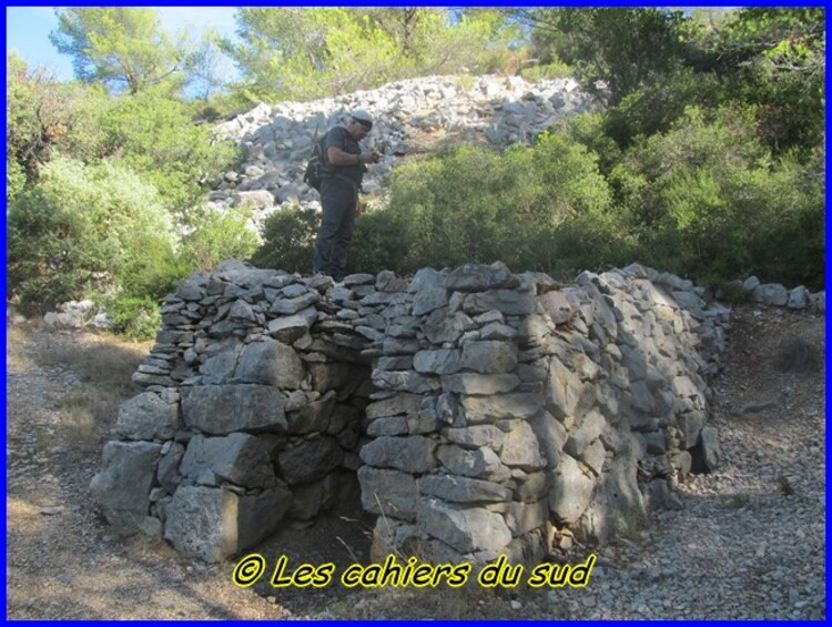 Var les cuves du Destel, le château du Diable