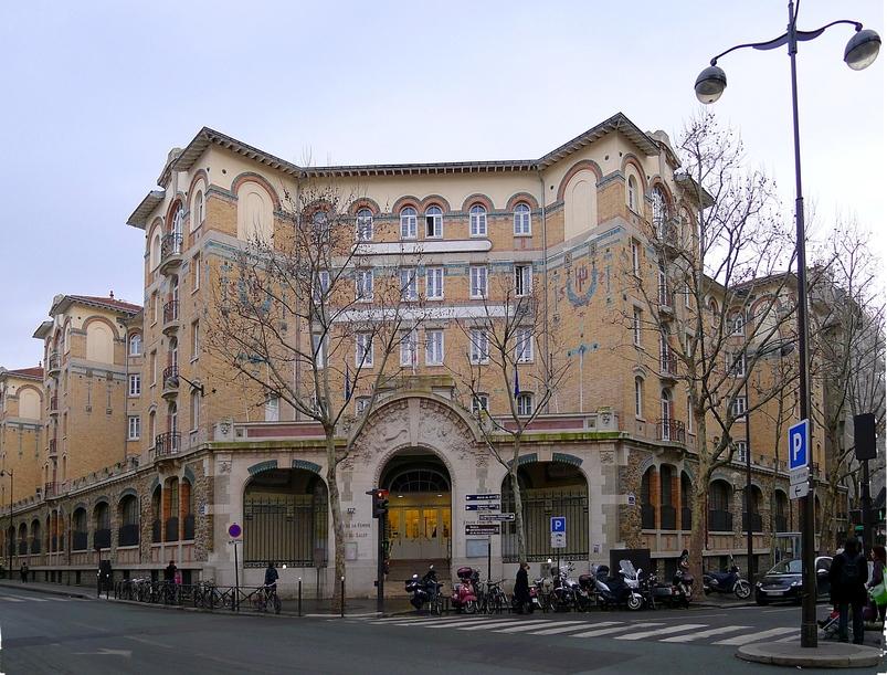 https://upload.wikimedia.org/wikipedia/commons/5/57/P1000850_Paris_XI_Rue_Faidherbe_Rue_de_Charonne_Maison_de_la_femme_reductwk.JPG