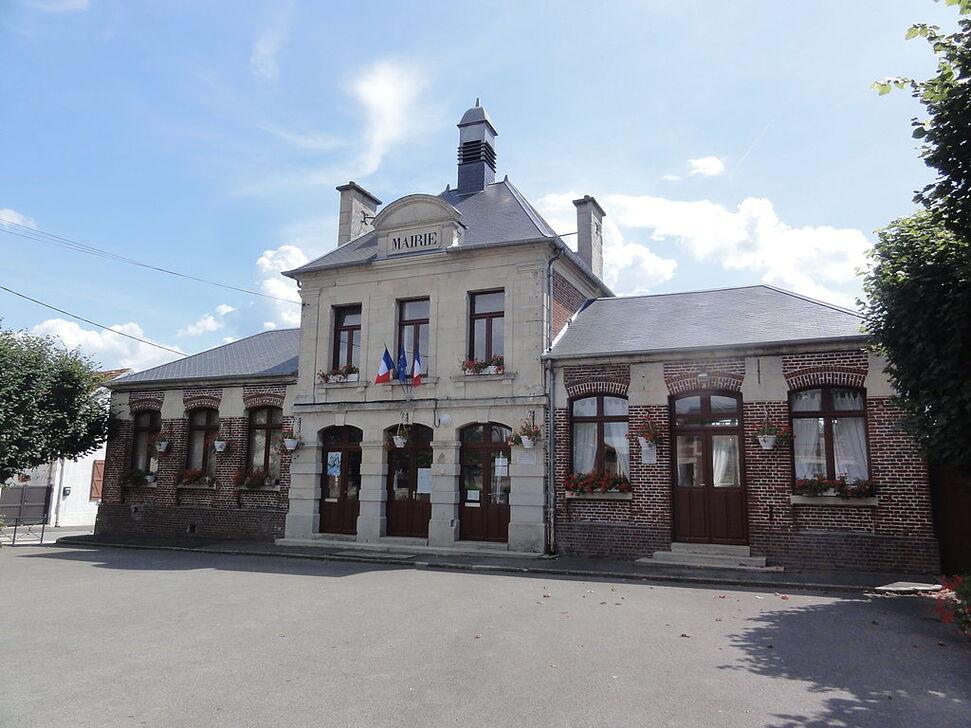 La mairie, à Marest