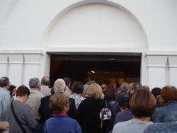 Le public se presse à l'entrée