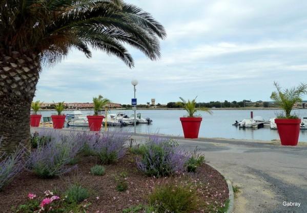 w05 - Des pots & des bateaux