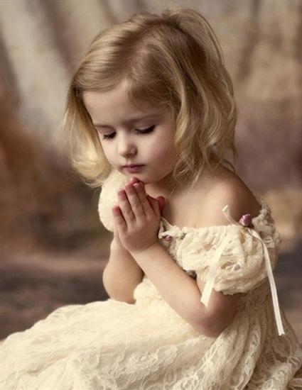 Faut-il obliger un enfant à prier ?