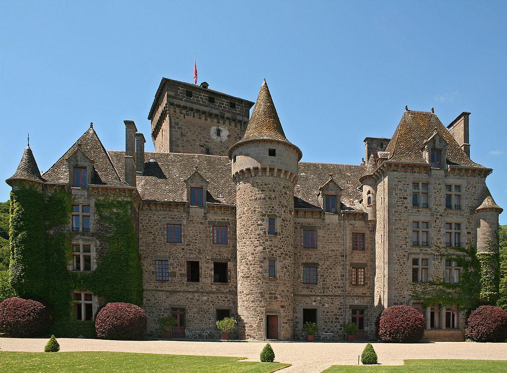 Chateau de Pesteil.jpg