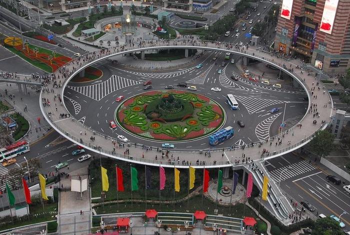 Comment redonner de l'espace aux piétons dans notre ville saturée par l'automobile ?