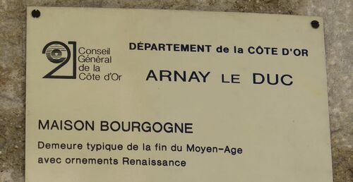 Arnay-le-Duc  (21)
