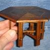 table hexagonale gustav stickley