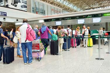 """Résultat de recherche d'images pour """"At the airport"""""""