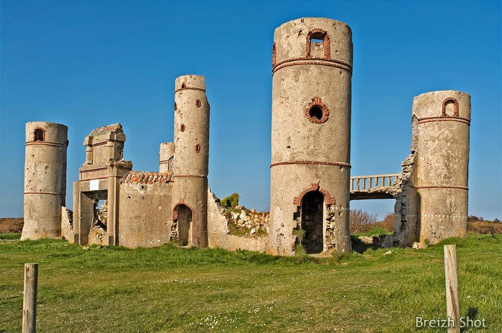 Ruines manoir - Saint-pol roux