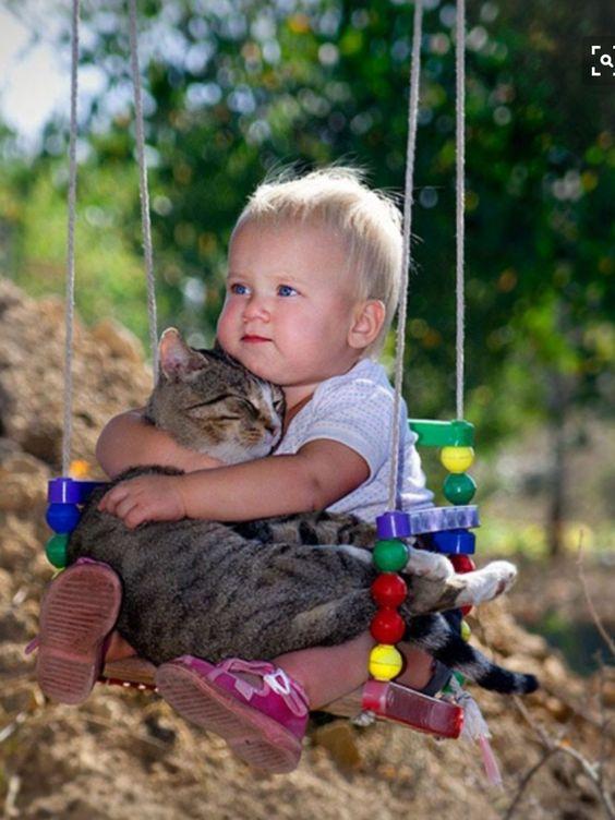 Two best friends on a swing |  www.volobuev.me