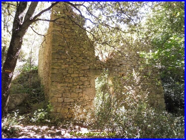 Gordes, les moulins de la Veroncle