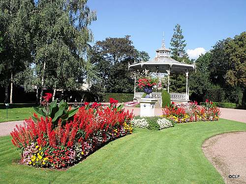 Luçon : son jardin et sa cathédrale