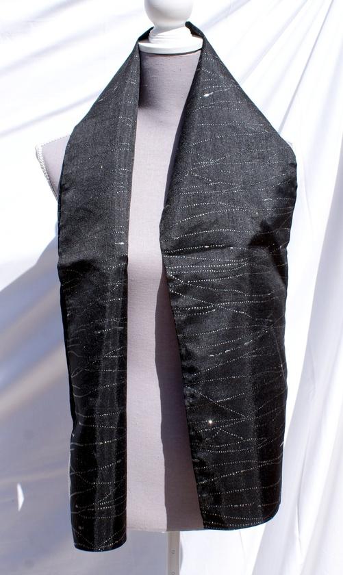 Echarpe coton noir aux zébrures d'argent