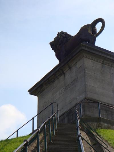 Blog de melimelodesptitsblanpain : Méli Mélo des p'tits Blanpain!, A l'assaut du Lion de Waterloo! (2)