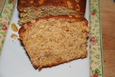 cake-banane-pignons--1-.JPG