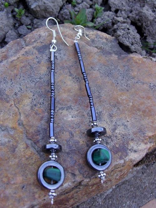 Boucles d'oreilles pendantes avec des aventurines
