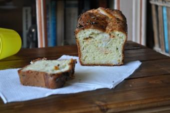 Cake aux surimis et ciboulette