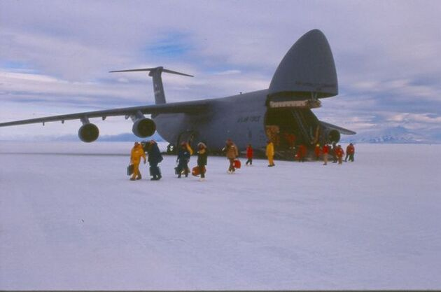 Ice Runway Antarctique