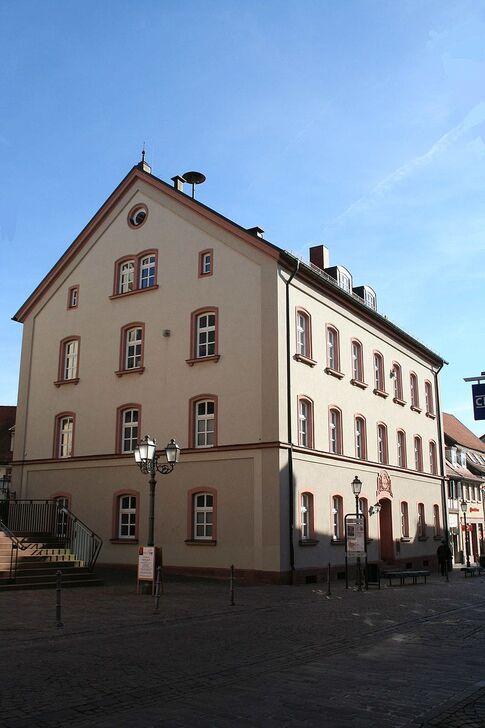 Marktheidenfeld-Rathaus.jpg
