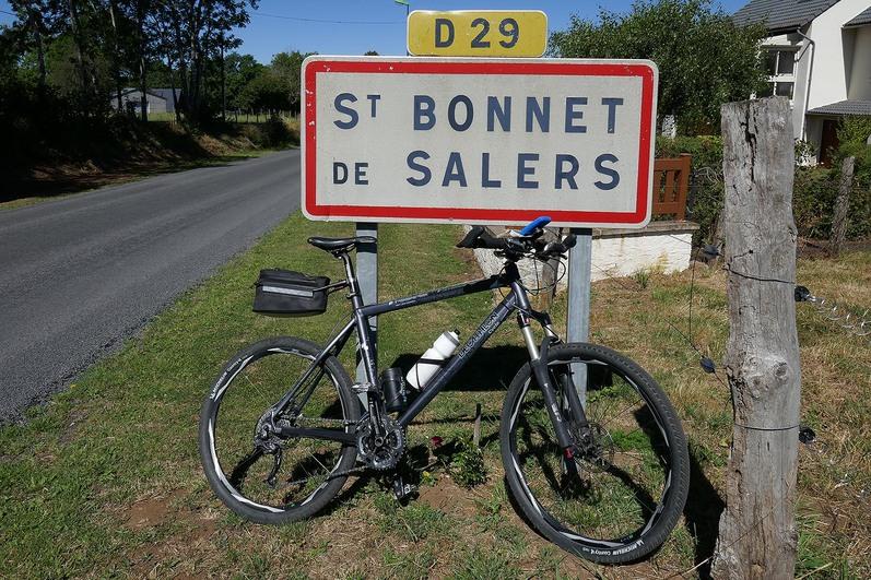"""Résultat de recherche d'images pour """"Saint-Bonnet-de-Salers"""""""