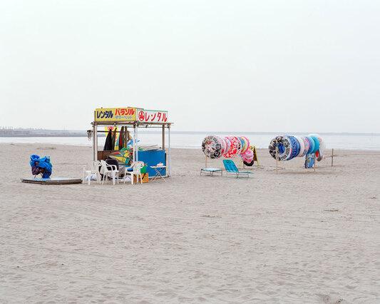 des boutiques en bord de mer