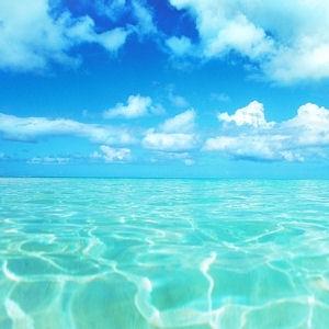 Idée reçue n°7 : le ciel se réflète sur la mer