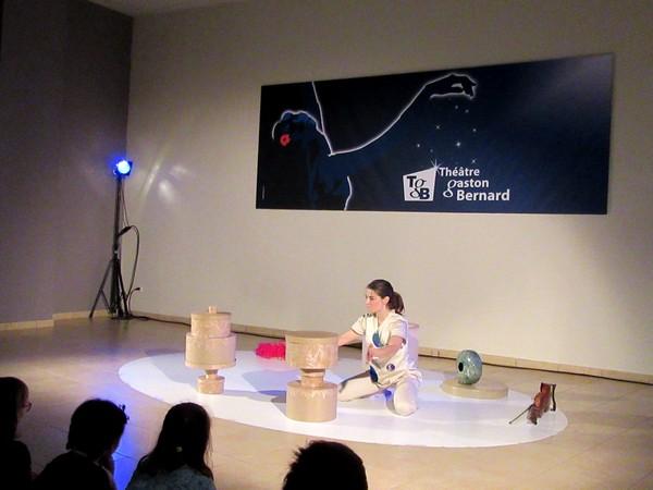 """""""Boîteà boîte"""" un adorable spectacle pour un très jeune public de 1 an à 5 ans, a eu lieu au théâtre Gaston Bernard"""