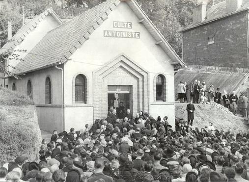BERNAY - Rue Anne de Ticherolle - Inauguration du temple Antoiniste - 1951