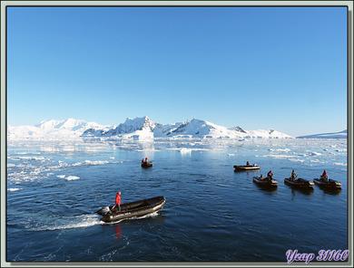 Débarquement dans Paradise Bay en face de la base argentine d'Almirante Brown - Péninsule Antarctique